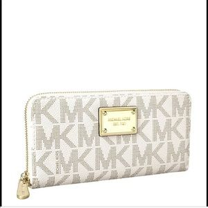 Used Michael Kors Continental wallet